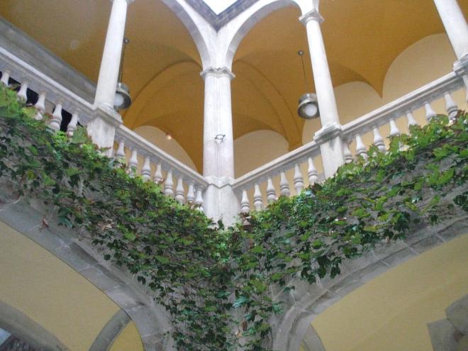 patio del archivo de la corona de aragon