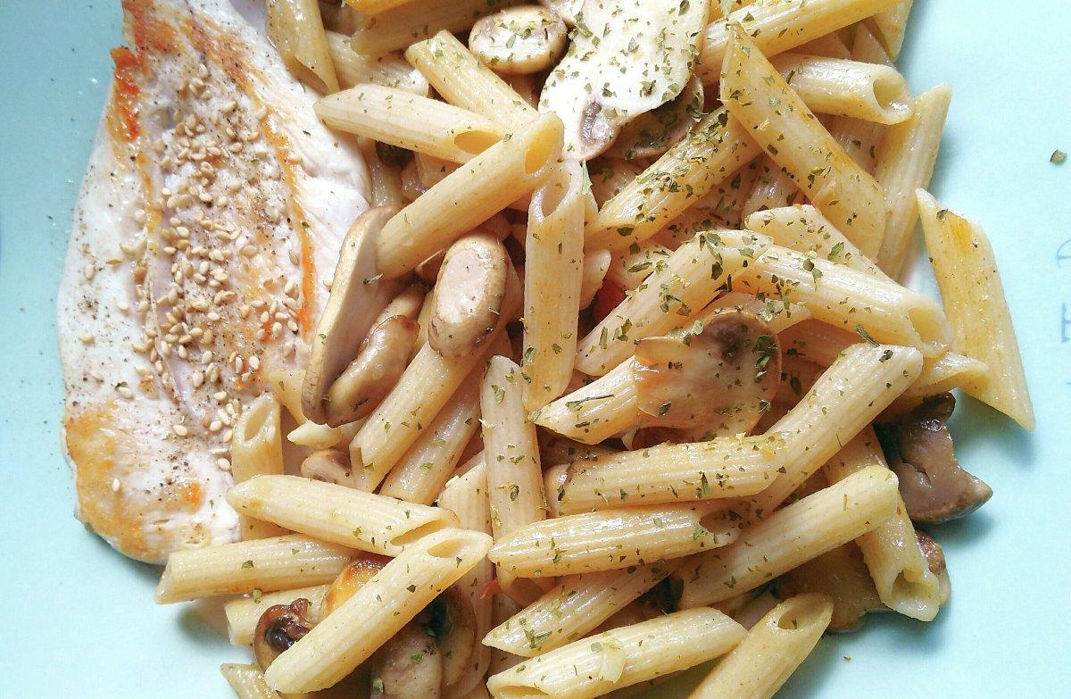 Menú diario-1-Macarrones y Pollo
