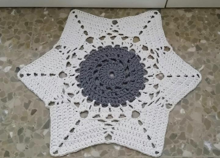 Alfombra estrella aganchillo