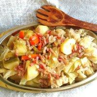 Receta de col y patata con taquitos de beicon. Monsieur Cuisine