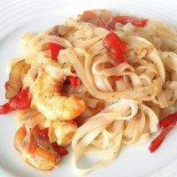 Noodles de arroz con langostinos