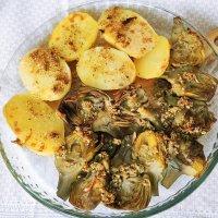 Alcachofas y patatas al vapor con Monsieur Cuisine, gratinadas con avellanas